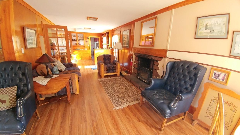 Lodge Cabin - 4 bedrooms, 4.5 baths