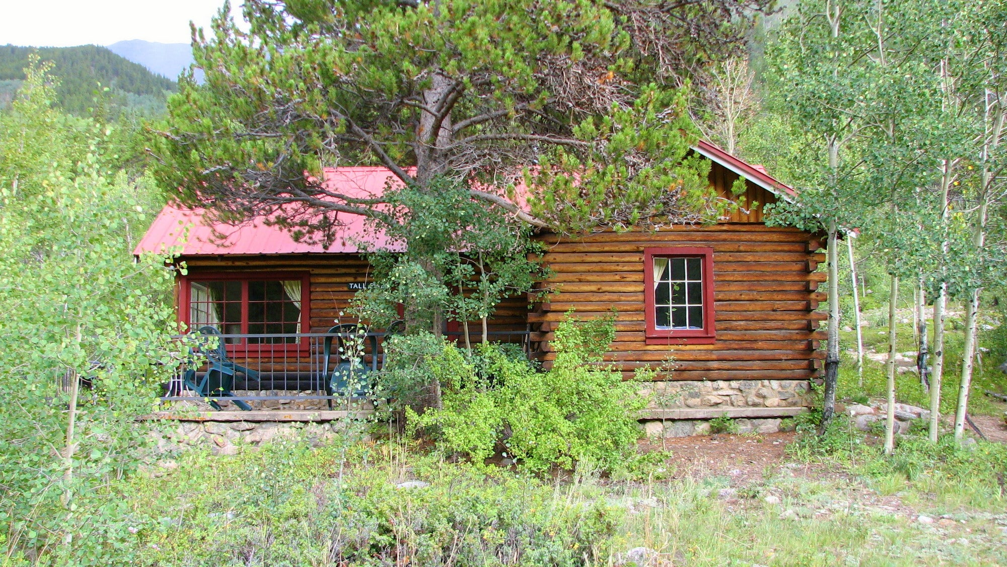Welcome to the Tall Pine Cabin at Mount Elbert Lodge