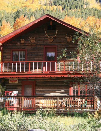 Lodge_7061crop